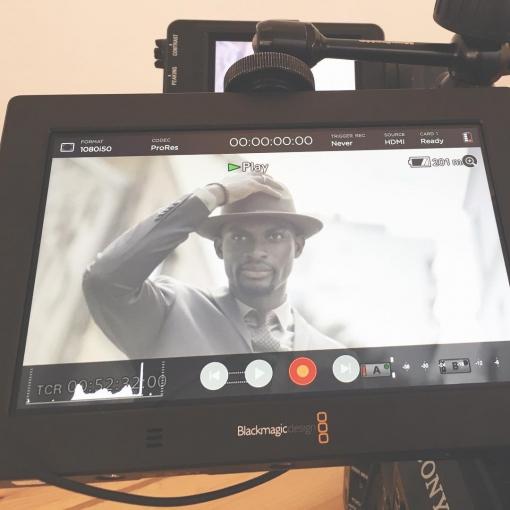 Tournage du jour, pour une marque de prêt à porter. Des news très rapidement, mais on s'amuse bien avec ce nouvel écran 7» de @blackmagic_news . 🇺🇸 Filming a web commercial for a clothing brand today. We're having fun with the new 7» screen by #BlackMagic. Stay tuned! Director: Nicolas Renier @nikorenier