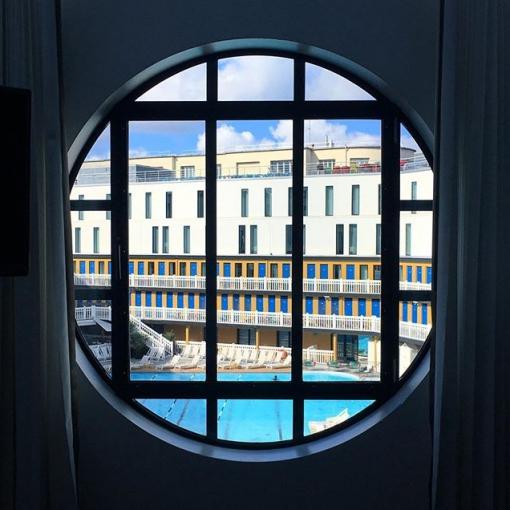 Prochain lieu de tournage : la Villa Molitor. Après l'Opéra Garnier à Paris puis la Cité de l'Espace à Toulouse, la team Eligans ne peut que remercier ses clients de lui faire découvrir de si beaux endroits… stay tuned!